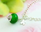 FOUR-LEAF CLOVER Bracelet, Silver Dangle, Irish Jewelry Gifts for Women, May Birthstone Emerald Green Bauble, Lucky Charm, Good Luck B1032