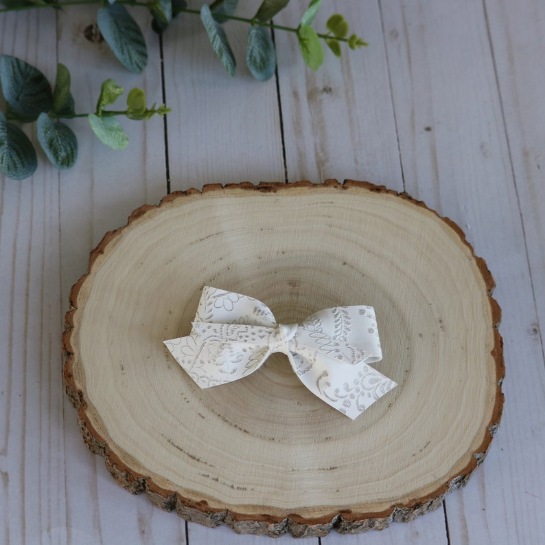 Baby Bow Girl Bow Clip Bow Toddler Hairbows Faux Leather Bow Pigtail Bows White Bow Lace Embossed Faux Leather Bow Fall Bow