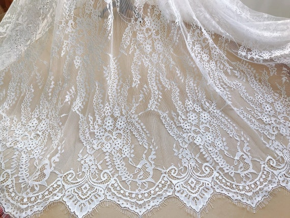 "Lace Fabric Off White Retro Graceful Eyelash Floral Wedding Bridal 59/"" width"