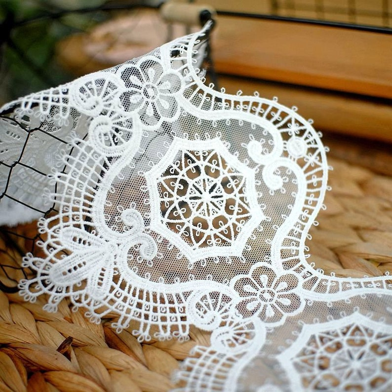 Exquisite Cotton Embroidery Floral Lace Trimming for Costumes Curtains Tablecloth Lace Accessories Supply