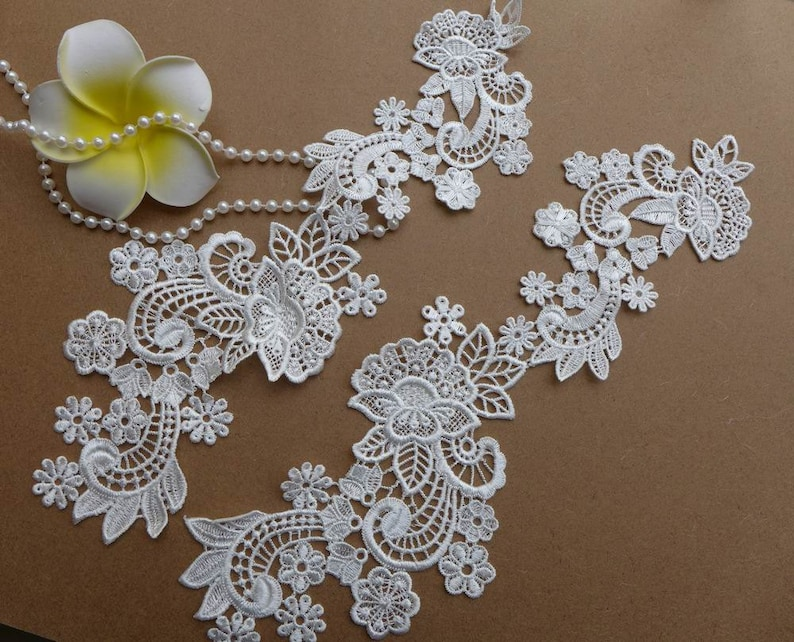 A pair ivory lace appliques embroidered flowers patches for