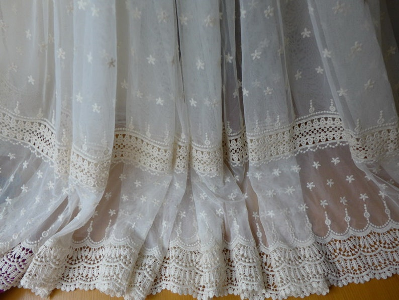 8d8010dd922a Tessuto di pizzo Crochet Vintage crema Tulle fiore Trim