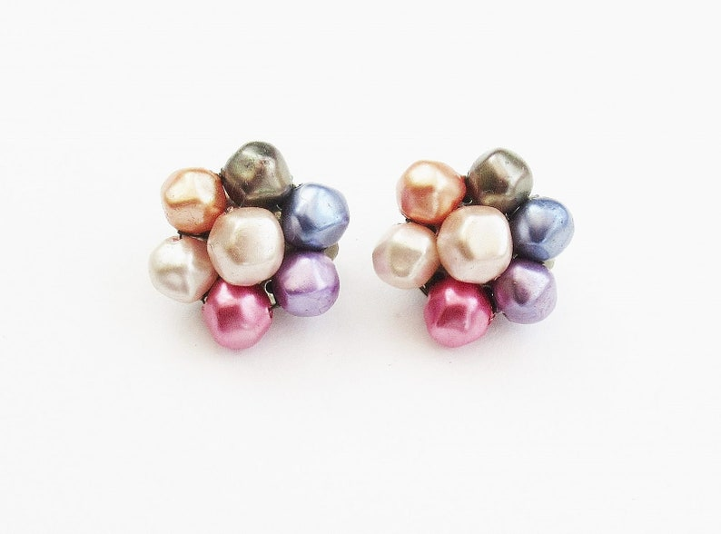 Pearl Cluster Earrings Pink Purple Grey Faux Pearls Chic Mid Century Clippons