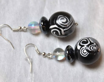 Earrings graphic black and white