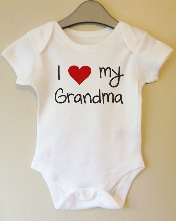 BabyGro My heart belongs to my Grandma Sleepsuit Boy//Girl//Unisex
