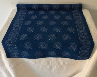 Blue Grapeleaf Design Vintage Linen Runner -Price PerPiece- DLR1922