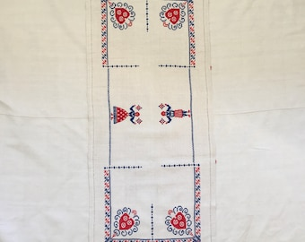 Embroidered Wallhanging Linen