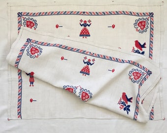 Embroidered Wallhanging /Tablecloth Linen