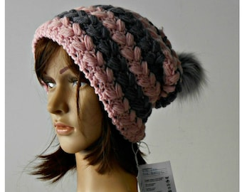 Fur pompon beanie, crochet wool slouchy hat with fake fur pompon, Valentine's gift for her, chunky wool beanie, woman crochet hat,