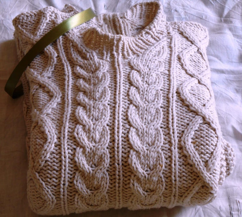 65a1e369e0160 ... Fisherman sweater hygge cable knit Sweater in Pure Merino image 4 ...