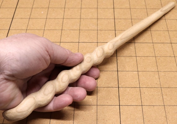 10 in - Hand Crafted OOAK 0037 Green Hand Carved Master Class Magic Wand