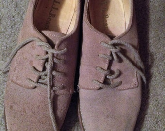 Vintage Used Pair of L.L. Bean Tan Suede Tie Oxford Shoes with Non Slip Soles Casual Walking Boho