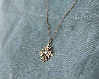 EDELWEISS flower pendant necklace // Oktoberfest earrings. dirndl necklace. bavarian flower of the alps. floral pendant. lost wax necklace