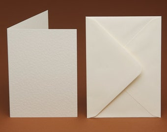 Oval Aperture C6//A6 Cards Pack Of 5 White Shimmer