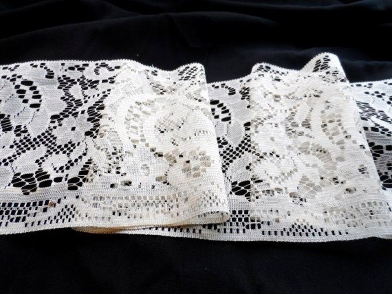 Lace TRIM-6 x 13/' Long-Crafting-Sewing-Shabby-Victorian Decor-Vintage Roll Rose Lace-Pillow-Sachet-Ivory-Orphaned Treasure-102416D