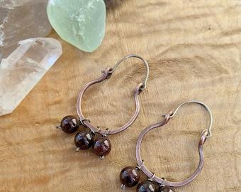 Copper scoop earrings with garnet dangles, hypoallergenic, niobium earrings, January birthstone, rustic jewelry