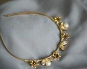 Modern wedding headpiece, Wedding crown, gold bridal headpiece, pearl beaded crown, bridal hair piece, wedding hair accesory Olivia