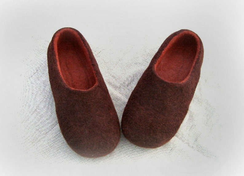 7c36495a56125 Felted Slippers Men Wool Home Shoes BROWN and RUST Women slippers Handmade  slippers Woolen clogs Valenki