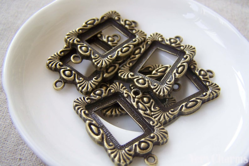 Rectangle Pendant Tray Outlined Floral Cameo Base Connector Match 13x18mm Cabochon Set of 10 A3846