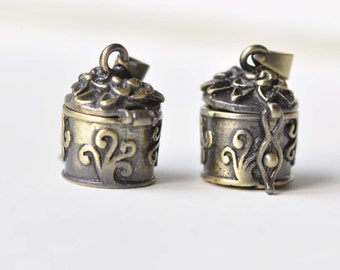 Antique Bronze Small Wish Box Photo Locket  Set of 2  A8391