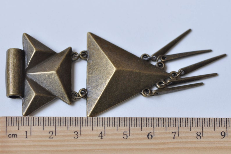 One Piece Antique Bronze Geometric Pendant A5429