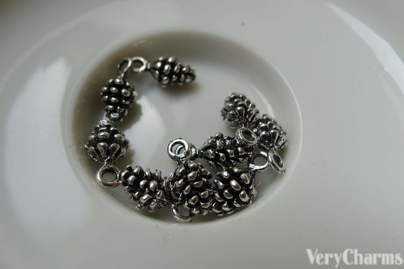 20 pcs of Antique Silver 3D Acorns Pinecones Charms Pendants 5x15mm A5584