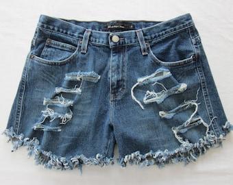 4f5b416151e4e Calvin Klein slashed cut-off classic rise shorts - waist 32