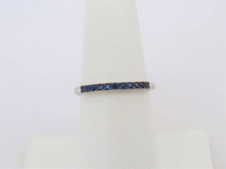 Vintage Sterling Silver Blue Sapphire Band Ring Size 7