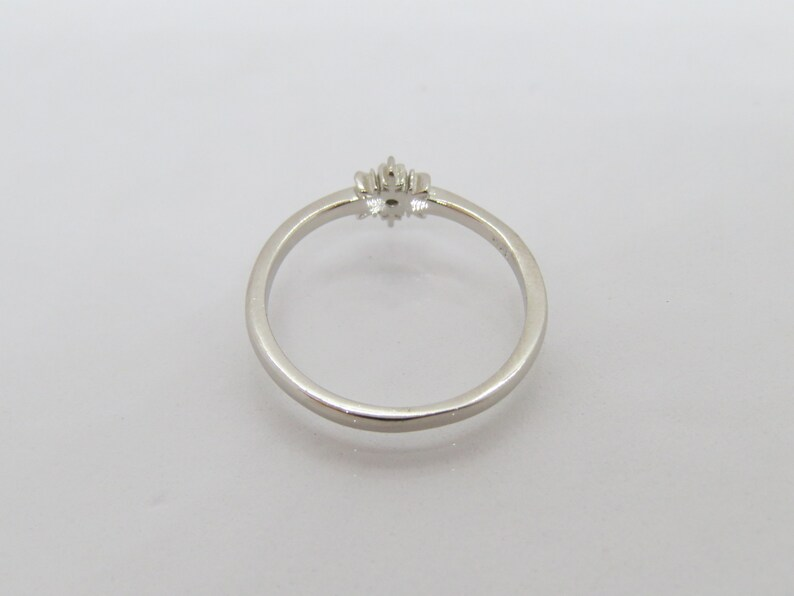 Vintage Sterling Silver Aquamarine Snowflake Tiny Ring Size 6