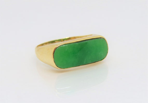 18K Solid Yellow Gold Green Jadeite Jade Saddle Vi