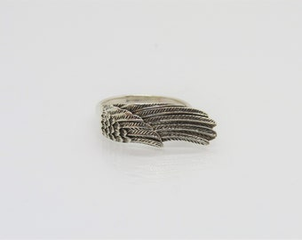 Vintage Sterling Silver Carved Angel Wing Ring Size 7