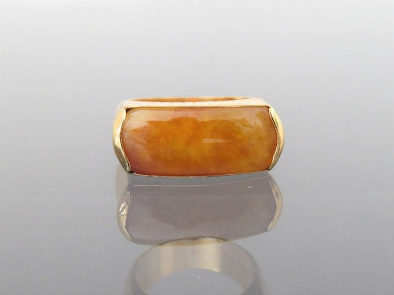 Vintage 18K Yellow Gold Honey Yellow Red Jadeite Jade Saddle Ring Size 8