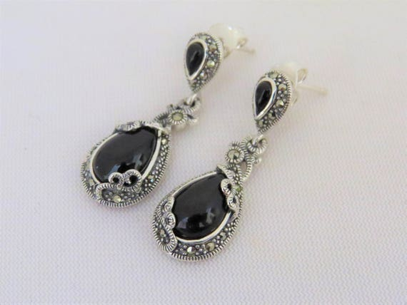 Vintage marked 925 marcasite /& faceted onyx post earrings