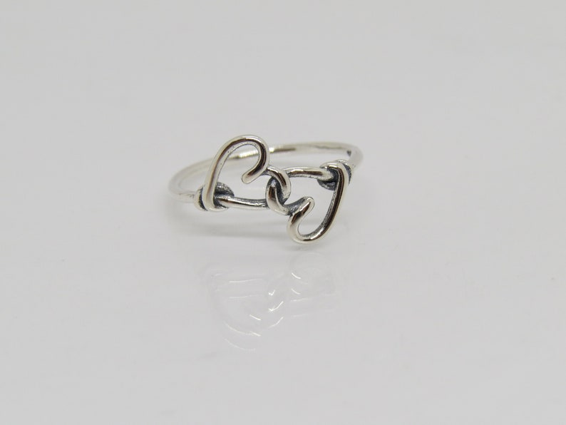 Vintage Sterling Silver Knotted Hearts Ring Size 9