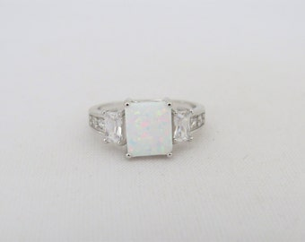 Vintage Sterling Silver White Opal & White Topaz Three stone Ring Size 5