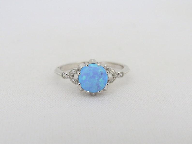 Vintage Sterling Silver Blue Opal /& White Topaz Ring Size 7