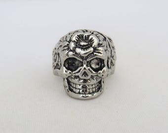 Vintage Mens Jewelry Silver Tone Skull Gothic Punk Bike Ring Size 8