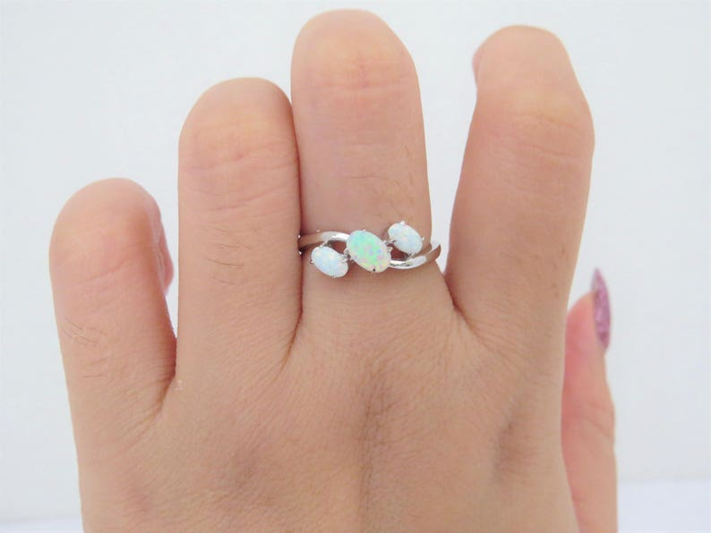 Vintage Sterling Silver Oval White Opal Three stone Ring Size 7