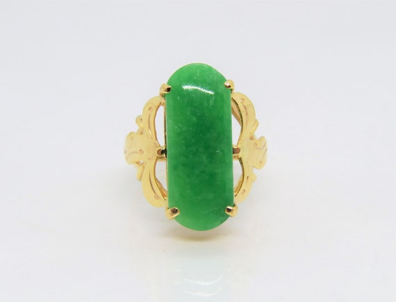 Vintage 18K Solid Yellow Gold Saddle Green Jadeite