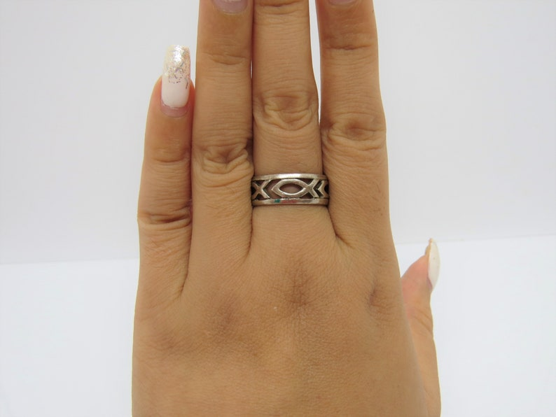 Vintage Sterling Silver FISH Band Ring Size 7