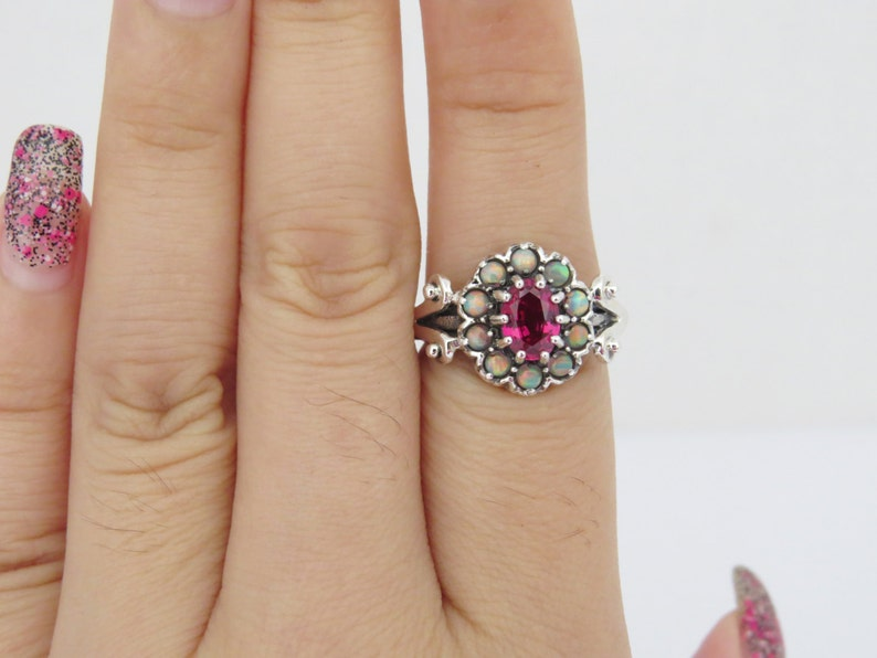 Vintage Sterling Silver Ruby /& Opal Cluster Ring Size 8