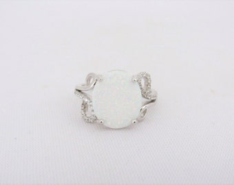 Vintage Sterling Silver White Opal & White Topaz Ring Size 7