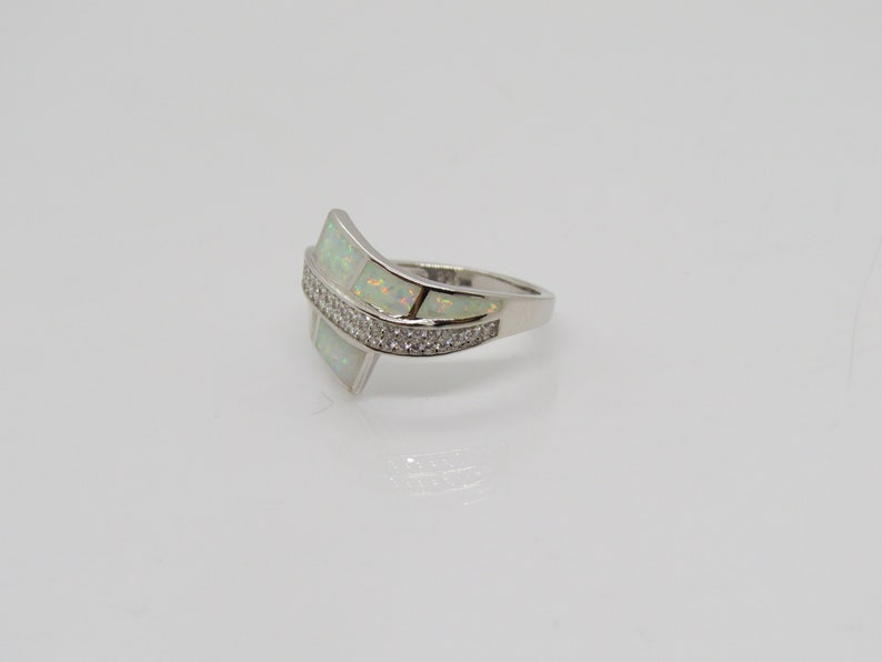 Vintage Sterling Silver White Opal /& White Topaz Bypass Ring Size 9