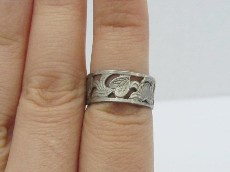 Antique Art Deco Sterling Silver Engraved Leaf Band Ring Size 6