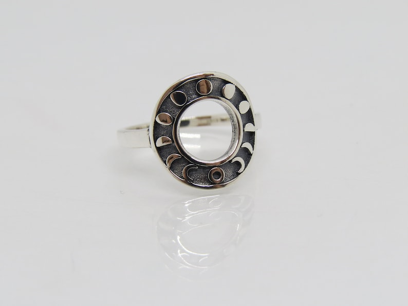 Vintage Sterling Silver Moon Phases Band Ring Size 5