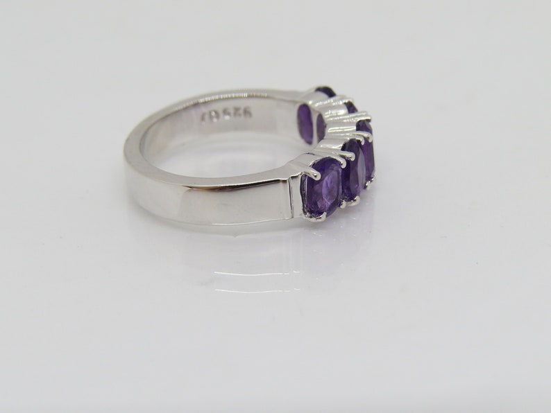 Vintage Sterling Silver Natural Oval cut Amethyst Band Ring Size 7