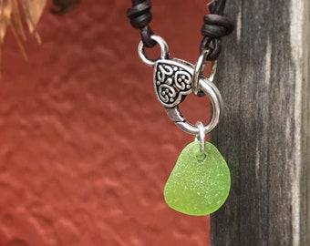 Sea Glass Necklace, Sea Glass Jewelry, Sea Glass, Surf Necklace, Surf Jewelry, Beach Necklace, Beach Jewelry, Green Sea Glass Necklace