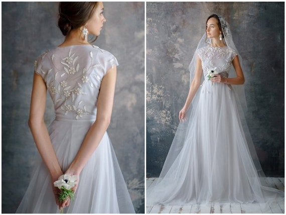 Ethereal Wedding Dress.Floral Wedding Dress Blue Ethereal Tulle Bridal Gown Romantic Open Back Silk Brautkleid Bohemian Ethereal Bridal Olema