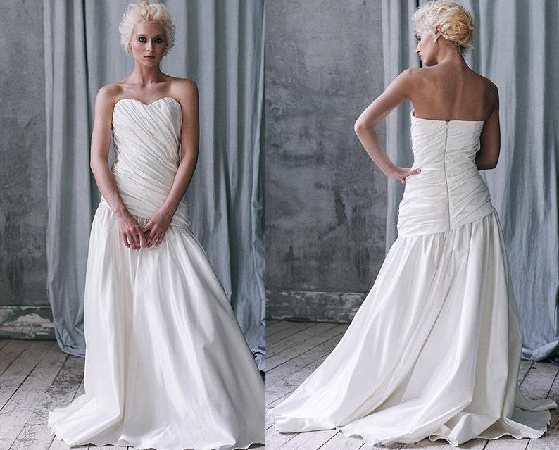 Damaris / low back wedding dress plus size wedding dress color | Etsy