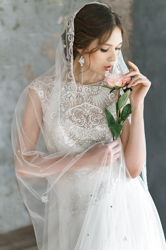 ANIMAISA/ Embroidered wedding dress Delicate lace tulle | Etsy